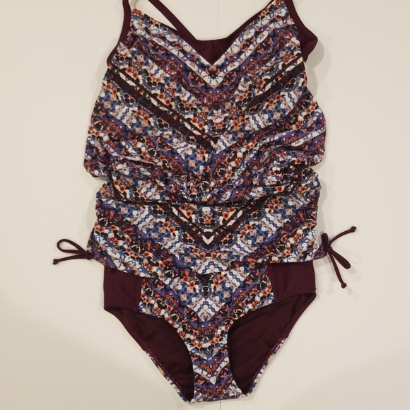 0bccfcdc1a Athleta Other - Athleta 2 piece swim suit